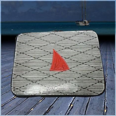 Housse de tablette numérique en voile de bateau logo rouge