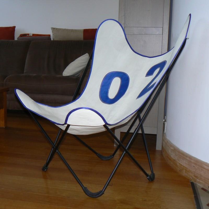 fauteuil aa assise en voile de bateau marqu e 01 bleu. Black Bedroom Furniture Sets. Home Design Ideas
