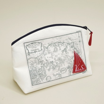 Toiletry sailing boat L